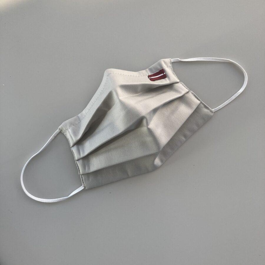 Sejas maskas ar Latvijas karodziņu