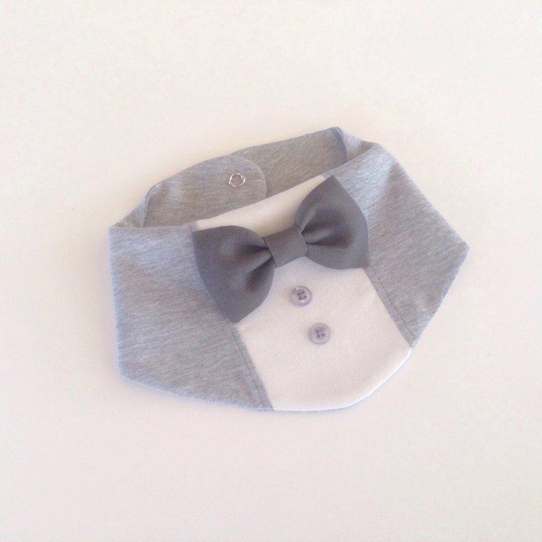 Ar pelēku lina tauriņu