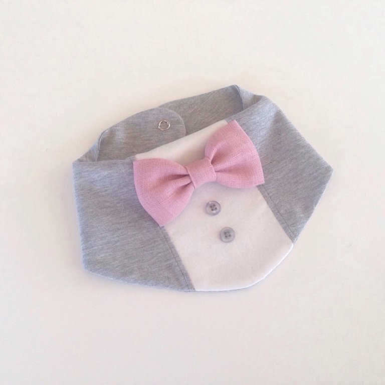 Ar rozā lina tauriņu