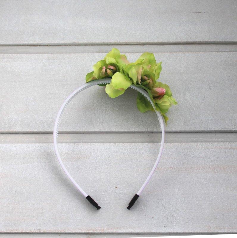 Zaļa ziedu stīpiņa