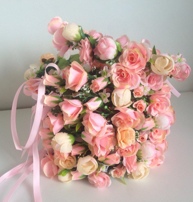 Dažādi ziedu vainagi