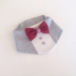Ar bordo tauriņu un latvisku lentīti